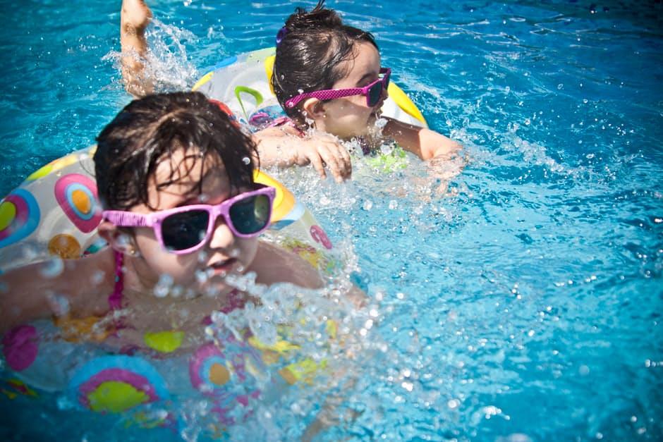 Idealny sport dla dzieci letnią porą